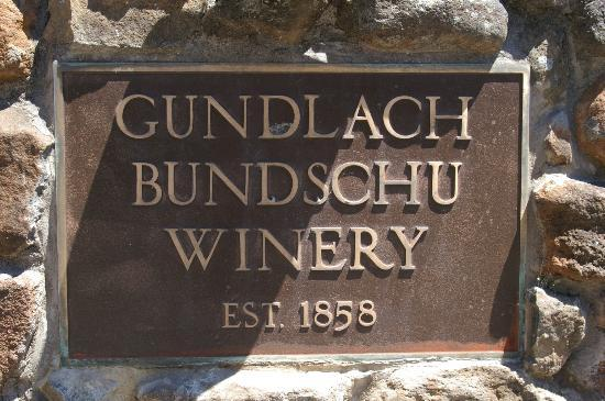 Gundlach Bundschu Winery: Entry Sign