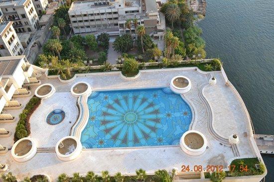 Grand Nile Tower: piscina CERRADA por obras que NO SE VEN POR NINGÚN LADO