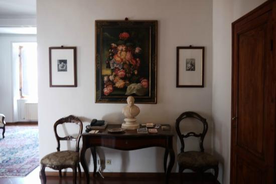 Residenza d'Epoca Palazzo Fineschi Sergardi: More seating