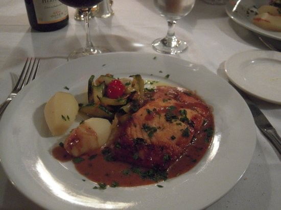 Four Corners Country Inn: Salmon