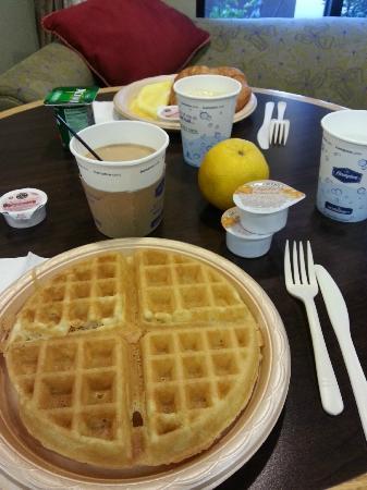 Hampton Inn Visalia: Café da manhã