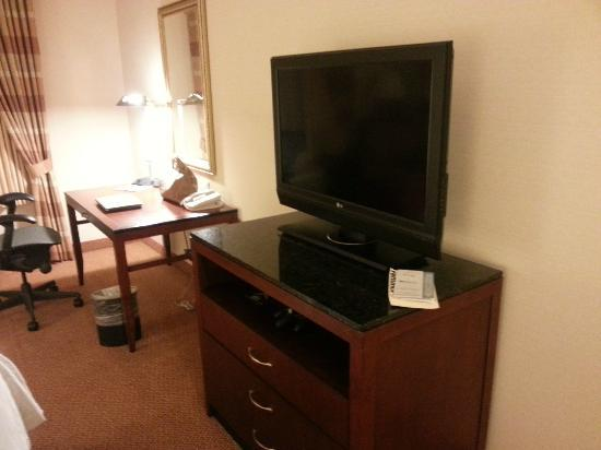 Hilton Garden Inn Los Angeles Montebello: tv