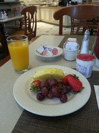 Hilton Garden Inn Los Angeles Montebello: café da manhã