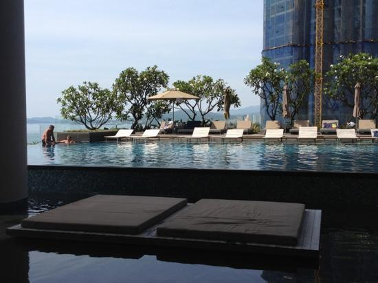 Sheraton Nha Trang Hotel and Spa: the pool