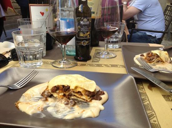 Caffe Tuscher: THAT lasagne (lasagnetta!)