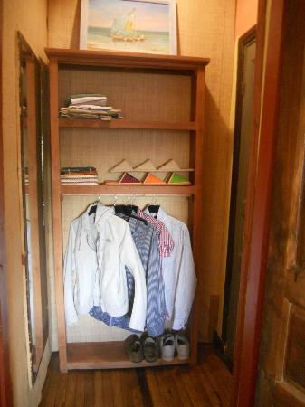 La Maison du Pyla: Piccolo ingresso e scaffale in palissandro. Stanza 15