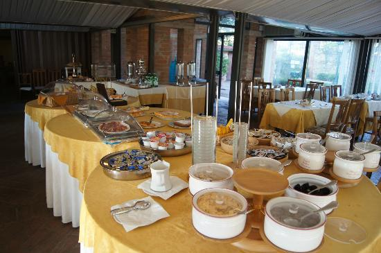 Villa San Lucchese Hotel: Breakfast selection