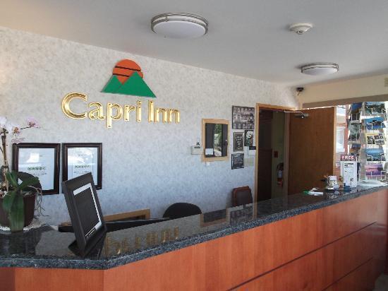 Capri Inn: Réception au 6 juillet 2012.