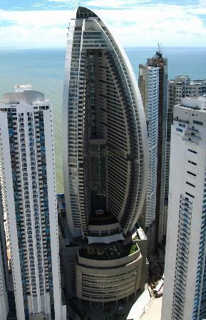 Trump International Hotel & Tower Panama : Trump Ocean Club views from Paitilla