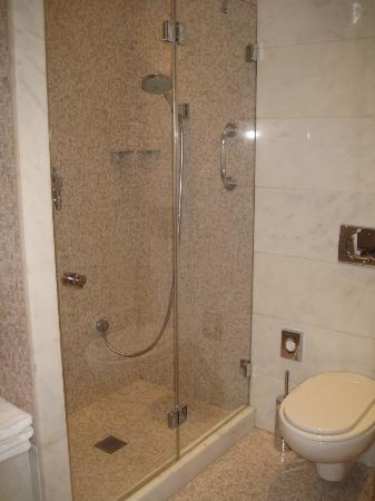 Aldrovandi Villa Borghese: deluxe double - bathroom