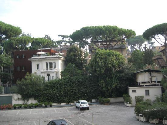 Aldrovandi Villa Borghese: view from room