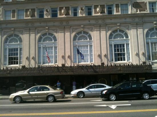 Francis Marion Hotel: Front entrance