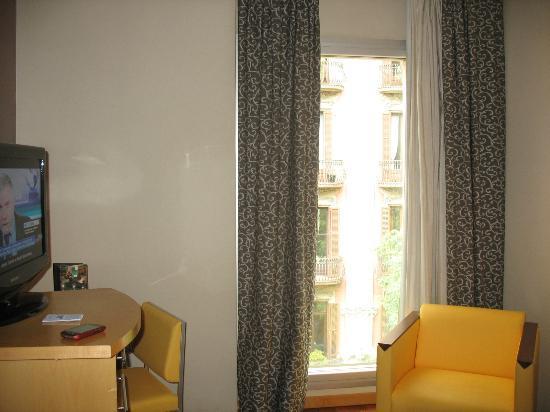 Sansi Diputacio Hotel: Hotel room