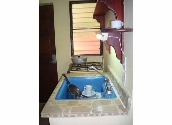 Hotel Kaoba: kitchenette inside room