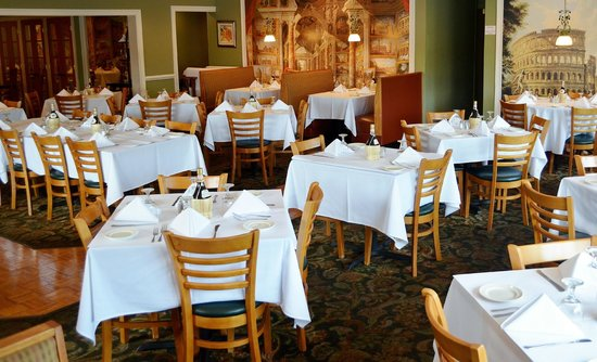 Dining room picture of l 39 italia restaurant and bar for Food bar food harrisonburg virginia