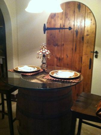Sannino Vineyard B and B: Tuscan decor