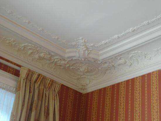 Hotel d'Argenson: beautiful moldings