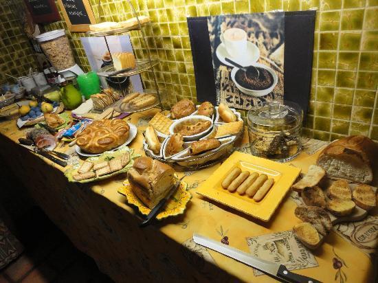 Le Mas des Retrouvailles: Petit déjeuner