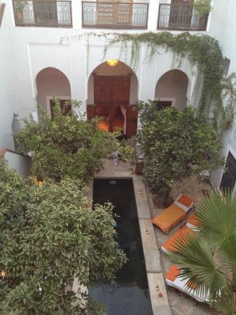 Le Rihani: De binnenplaats met zwembad(je)