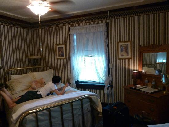 1859 Historic National Hotel: Our room facing the street