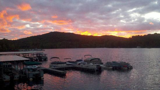 Gauthier's Saranac Lake Inn and Hotel: Sept Sunset