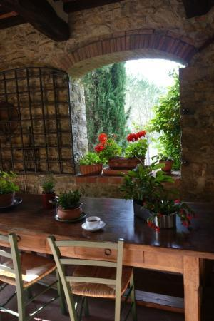 B&B Fagiolari: Outdoor table