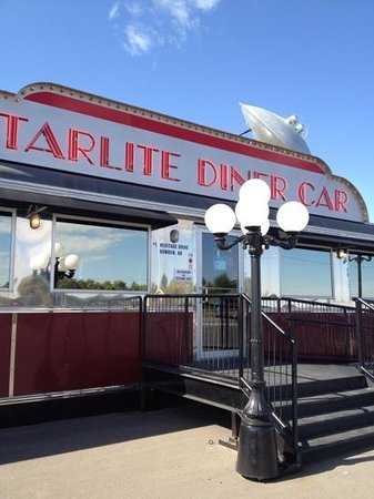 Starlite Diner Car: outside - shiny!