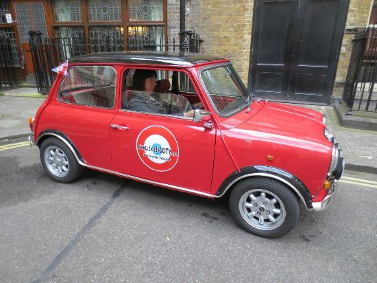 Small Car BIG CITY: Driving the mini (at least pretending to)