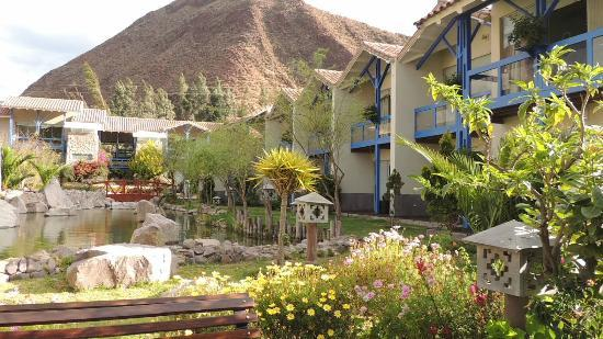 Aranwa Sacred Valley Hotel & Wellness: One view of the lush grounds
