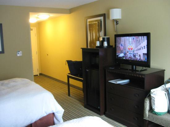 Hampton Inn & Suites Mt. Vernon/Belvoir-Alexandria South: Nice sized room