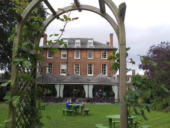 Riverside House Hotel : The hotel