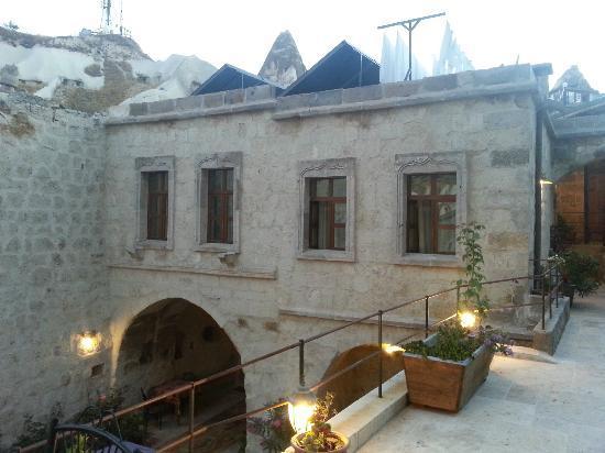Divan Cave House: Vista a habitaciones