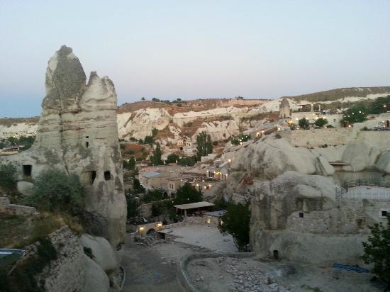 Divan Cave House: Vista desde el hotel
