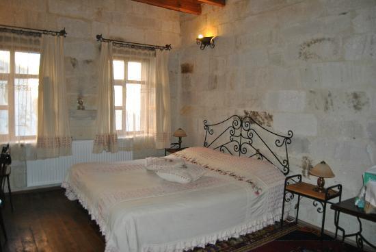 Divan Cave House: Habitación amplia