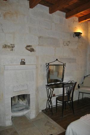 Divan Cave House: Habitación