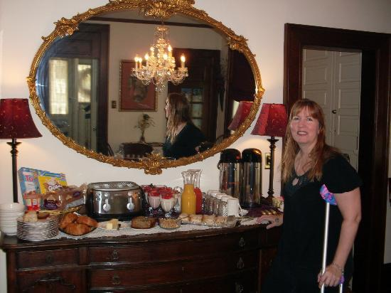Manheim Manor Victorian Bed and Breakfast: Best B&B Breakfast Anywhere!