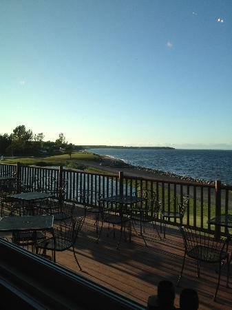 Pictou Lodge Beachfront Resort: One of three awesome views from the dining room deck