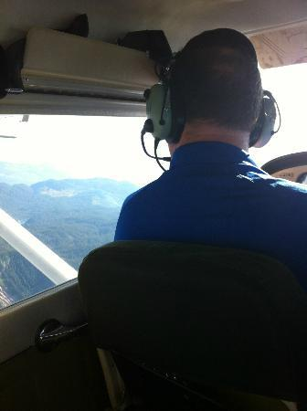 Squamish, Kanada: Chris Doyle flying over the Glaciers 9/15/2012