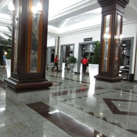 Hotel Riu Palace Macao: Bar Cubano / lobby bar