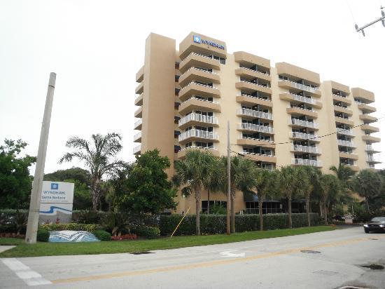 Wyndham Santa Barbara: Exterior del resort.