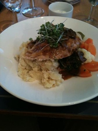 Pitlochry Festival Theatre Restaurant and Cafe: chicken main
