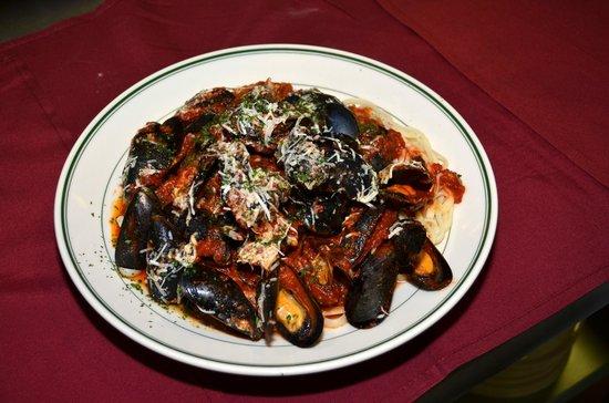 Joe's Italian Kitchen : Linguini Pescatore (Seafood Medley)