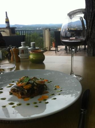 Lou Fassum ''La Tourmaline'': Un déjeuner en terrasse
