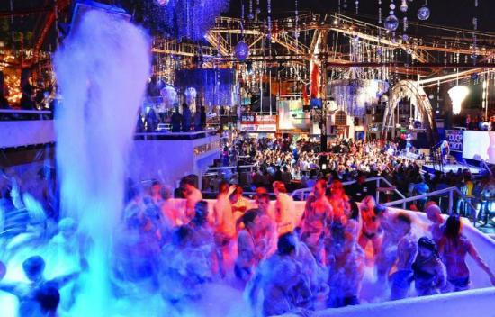 Vip Tables And Dance Floors Picture Of Pacha Sharm El