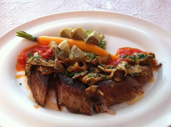 La Table D'Antan: Plat de bonite aux morilles