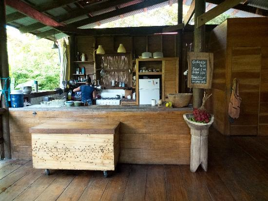 La Loma Jungle Lodge and Chocolate Farm: Kitchen