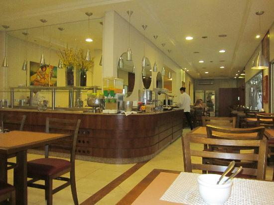 Taroba Hotel: Comedor a la hora del desayuno