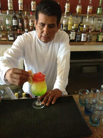 Zoetry Paraiso de la Bonita: cocktail making classes
