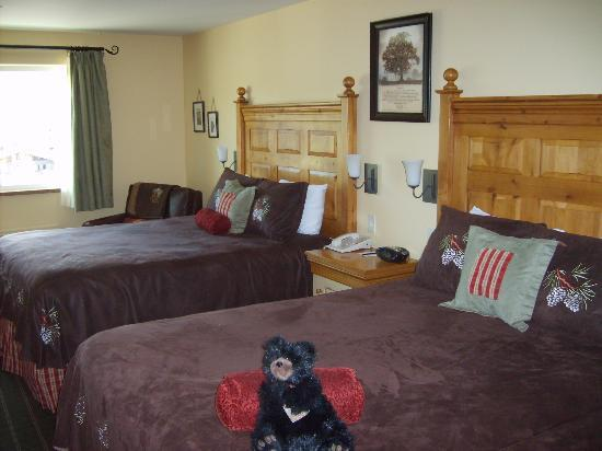 Bavarian Lodge: great room :)