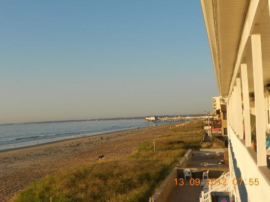 Normandie Oceanfront Motor Inn: view of beach at high tide.